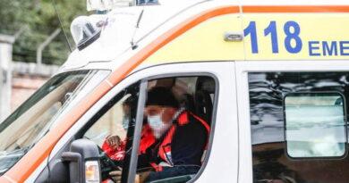 A Foggia si ribalta furgone , perde la vita una persona e quattro feriti