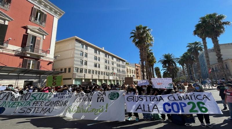 Clima: anche a Bari studenti in piazza dopo due anni